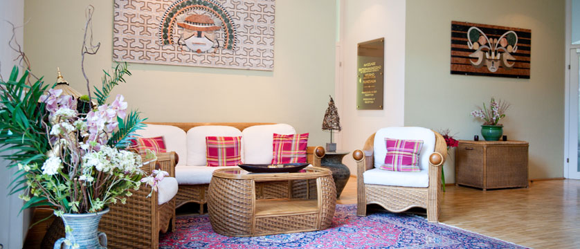 austria_filzmoos_hotel-alpenkrone_lounge-area.jpg
